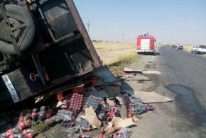 تصادف وبرخورد خودروی نیسان با خاور حمل مواد غذایی منجر به فوت